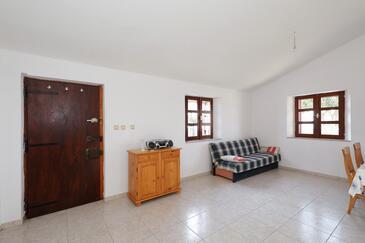 Ravna Sika, Obývací pokoj v ubytování typu house, domácí mazlíčci povoleni a WiFi.