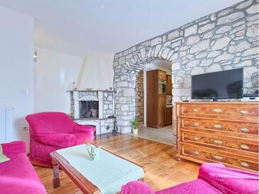Kršan - Vlašići, Obývací pokoj v ubytování typu house, s klimatizací a WiFi.