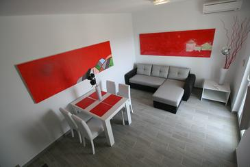 Vrh, Dining room in the apartment, (pet friendly) and WiFi.