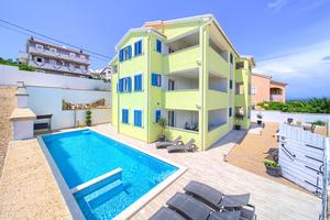 Family friendly apartments with a swimming pool Vrh (Krk) - 17951