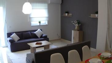 Novalja, Woonkamer in the apartment, air condition available en WiFi.