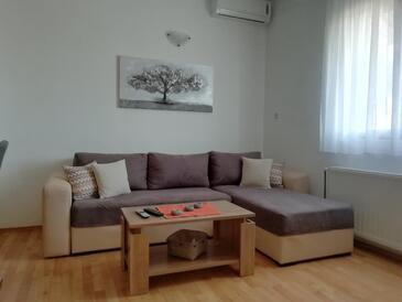 Seline, Obývací pokoj v ubytování typu apartment, s klimatizací, domácí mazlíčci povoleni a WiFi.