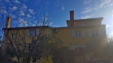 Ližnjan, Medulin, Property 17974 - Apartments with pebble beach.