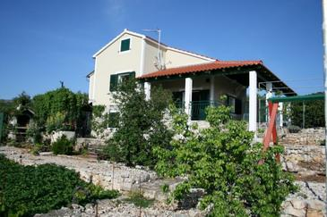 Primošten, Primošten, Объект 17979 - Дом для отдыха с галечным пляжем.