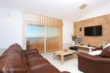 Klis, Wohnzimmer in folgender Unterkunftsart apartment, Klimaanlage vorhanden und WiFi.
