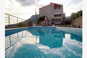 Family friendly apartments with a swimming pool Klis, Split - 17986
