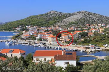 Seget Vranjica, Trogir, Property 17989 - Apartments near sea with pebble beach.
