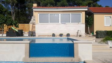 Smokvina, Brač, Property 18003 - Vacation Rentals by the sea.