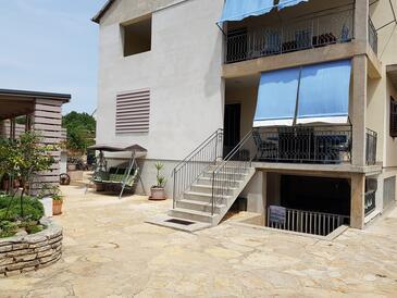Pakoštane, Biograd, Hébergement 18020 - Appartement à proximité de la mer.