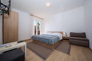 Apartmány s parkovištěm Makarská - Makarska - 18030
