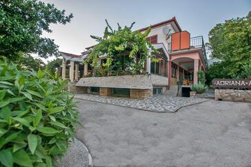 Starigrad, Paklenica, Объект 18034 - Апартаменты и комнаты с галечным пляжем.