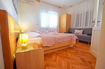 Starigrad, Спальня в размещении типа room, доступный кондиционер и WiFi.