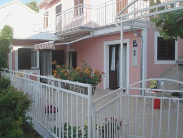 Šparadići, Šibenik, Obiekt 18043 - Apartamenty przy morzu.
