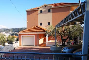 Trogir, Trogir, Property 18045 - Apartments with pebble beach.