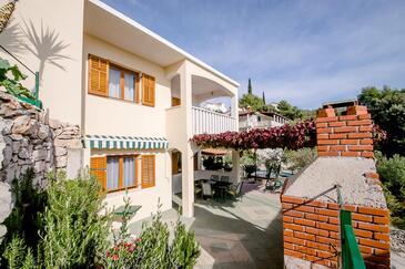 Ljubljeva, Trogir, Property 18052 - Apartments near sea with pebble beach.