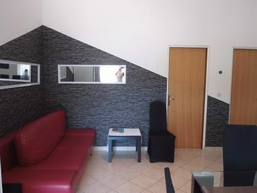 Vir - Lozice, Living room in the house, air condition available, (pet friendly) and WiFi.