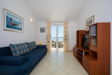 Igrane, Obývací pokoj v ubytování typu apartment, s klimatizací a WiFi.