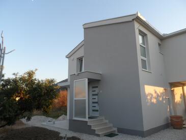 Opuzen, Ušće Neretve, Objekt 18070 - Ubytování s písčitou pláží.
