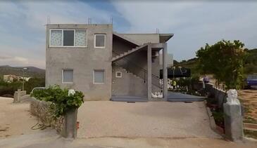 Rogoznica, Rogoznica, Property 18086 - Apartments with pebble beach.