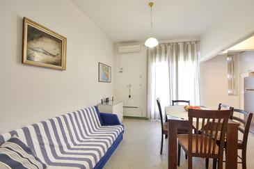 Split, Jídelna v ubytování typu apartment, s klimatizací a WiFi.
