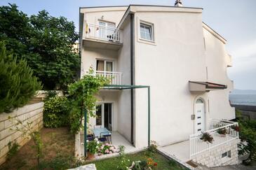 Brist, Makarska, Alloggio 18096 - Appartamenti affitto vicino al mare con la spiaggia ghiaiosa.