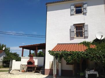 Bonaci, Središnja Istra, Property 18104 - Vacation Rentals with pebble beach.