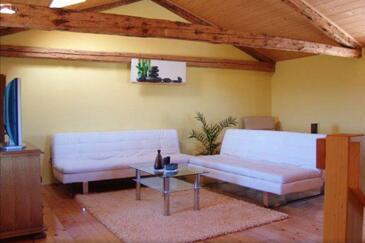 Bonaci, Living room in the house, WiFi.