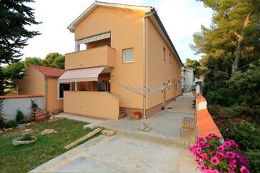 Bibinje, Zadar, Объект 18110 - Апартаменты с галечным пляжем.