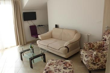 Donji Humac, Living room in the apartment, air condition available, (pet friendly) and WiFi.