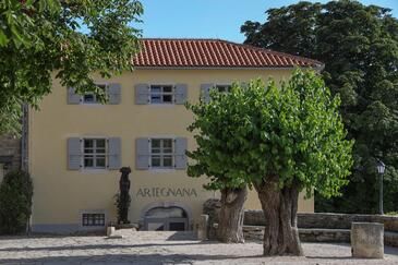 Grožnjan, Središnja Istra, Property 18123 - Rooms with sandy beach.