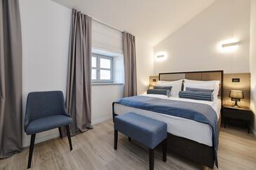 Grožnjan, Dormitorio in the room, air condition available y WiFi.