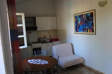 Donji Humac, Kitchen in the apartment, (pet friendly) and WiFi.