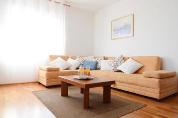 Kožino, Гостиная в размещении типа apartment, доступный кондиционер, Домашние животные допускаются и WiFi.