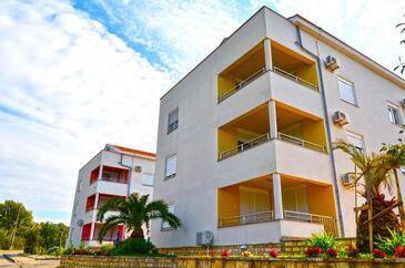 Kožino, Zadar, Объект 18128 - Апартаменты вблизи моря с галечным пляжем.