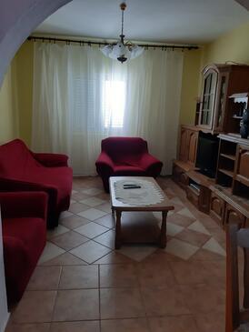 Tribanj, Obývací pokoj v ubytování typu apartment, s klimatizací, domácí mazlíčci povoleni a WiFi.