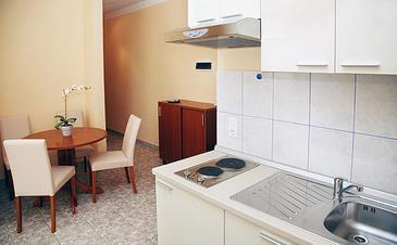 Seget Vranjica, Sufragerie în unitate de cazare tip apartment, WiFi.