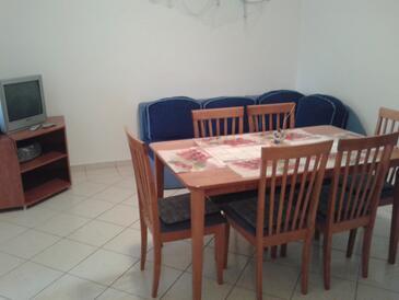 Vir, Jídelna v ubytování typu apartment, s klimatizací, domácí mazlíčci povoleni a WiFi.
