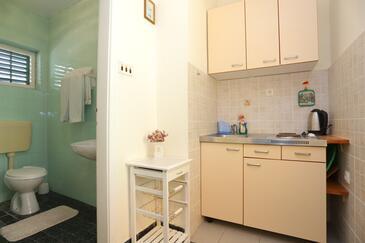 Mimice, Kuhinja v nastanitvi vrste studio-apartment, WiFi.