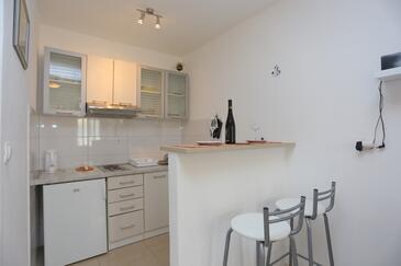 Mimice, Cucina nell'alloggi del tipo studio-apartment, WiFi.