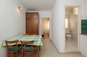 Duće, Dining room in the apartment, WiFi.