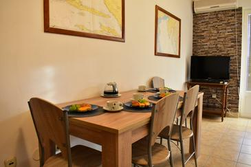 Vrsi - Mulo, Столовая в размещении типа apartment, доступный кондиционер и WiFi.