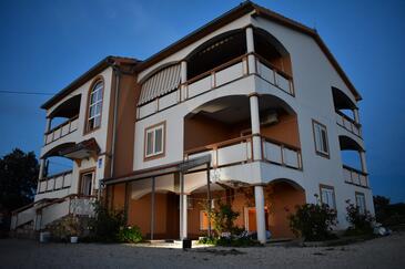 Vrsi - Mulo, Zadar, Объект 18164 - Апартаменты с галечным пляжем.