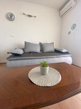 Sevid, Living room in the apartment, air condition available, (pet friendly) and WiFi.