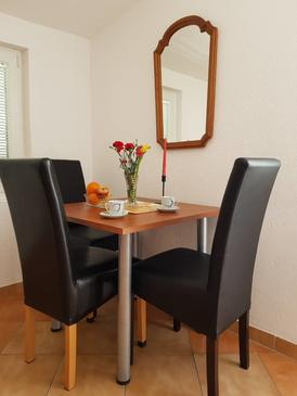 Stanići, Dining room in the apartment, WiFi.