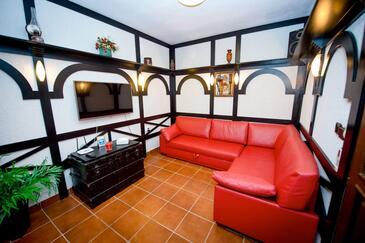 Okrug Donji, Sala de estar 1 in the house, air condition available y WiFi.