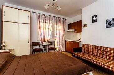 Malinska, Jídelna v ubytování typu studio-apartment, WiFi.