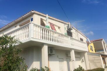 Vrsi - Mulo, Zadar, Объект 18198 - Апартаменты вблизи моря с галечным пляжем.
