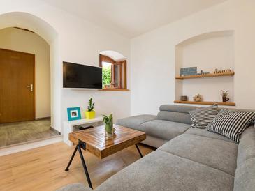 Buići, Camera di soggiorno nell'alloggi del tipo house, animali domestici ammessi e WiFi.