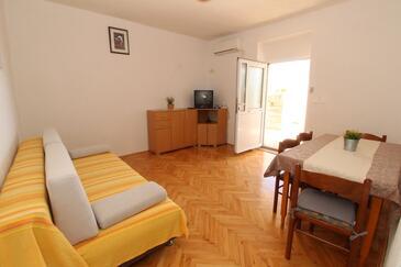 Kustići, Obývací pokoj v ubytování typu apartment, s klimatizací.