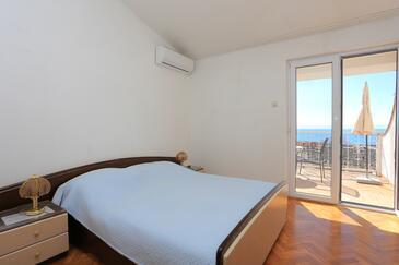 Baška Voda, Spálňa v ubytovacej jednotke room, klimatizácia k dispozícii a WiFi.